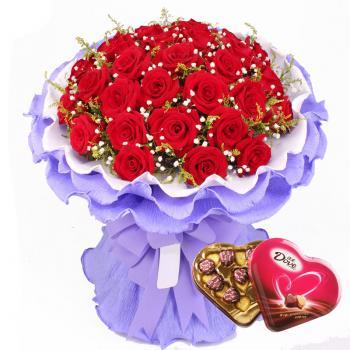 33朵红玫瑰巧克力组合