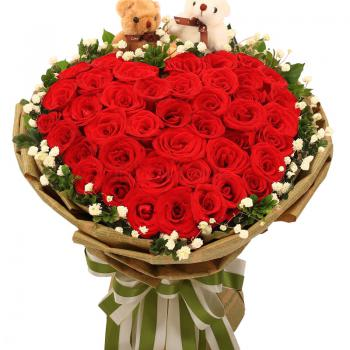 唯一最爱-33朵红玫瑰心形
