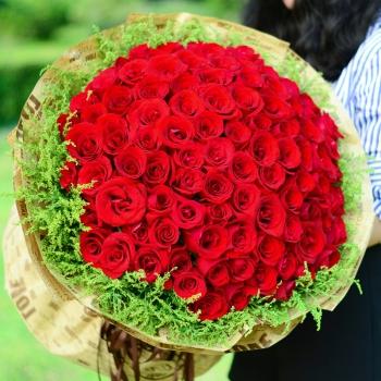 何以笙箫默-99朵红玫瑰花束