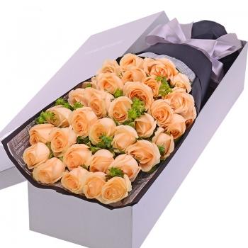 温柔的爱--33枝香槟玫瑰礼盒