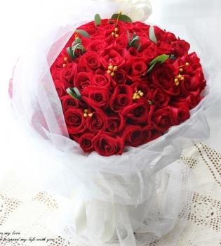 甜吻-99朵红玫瑰白纱