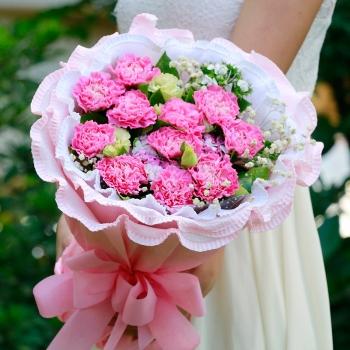 爱的礼物-11朵康乃馨洋桔梗混搭