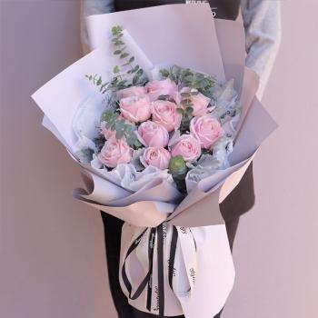 粉装玉豚-11朵粉红雪山玫瑰花束