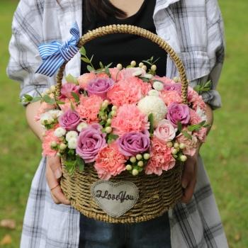玫瑰花康乃馨绣球手提花篮