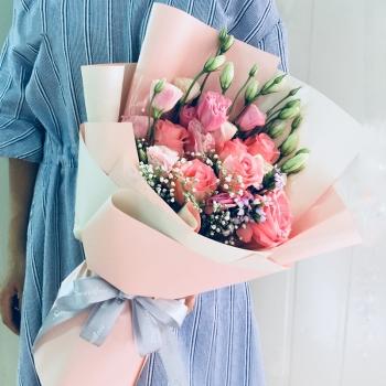 浪漫倾情-韩式混搭6朵粉玫瑰花束