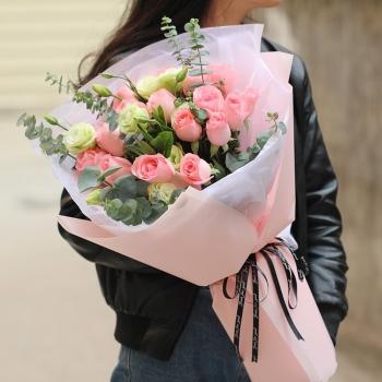 心动时刻-19朵戴安娜玫瑰花束