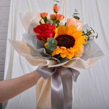 感恩有您-向日葵混搭小花束送老师长辈