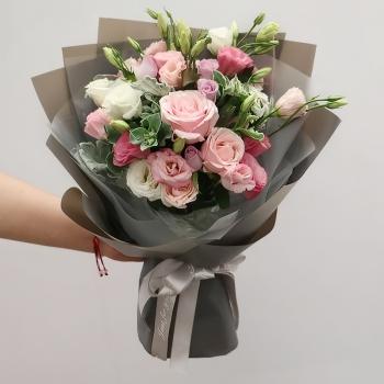 盛夏-6朵玫瑰韩式混搭花束